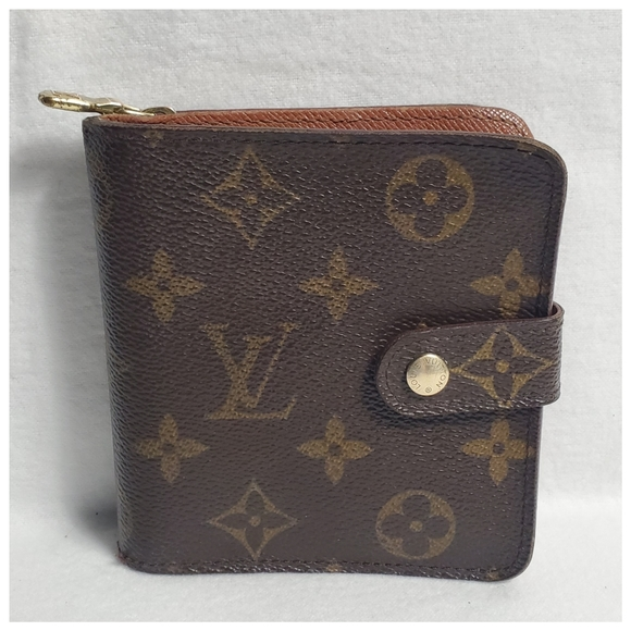 Louis Vuitton Handbags - Authentic Preowned LV Multipocket Wallet